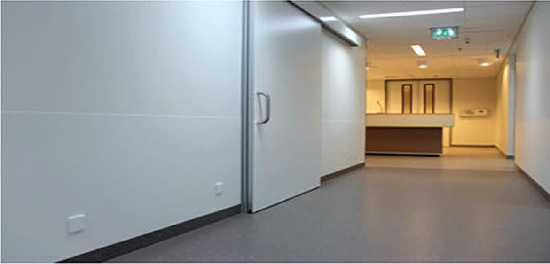 Puerta corredera servicio kaviflex - Marco puerta corredera ...