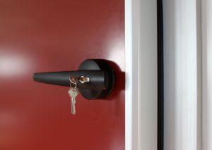maneta puerta pivotante frigorifica kavidoors