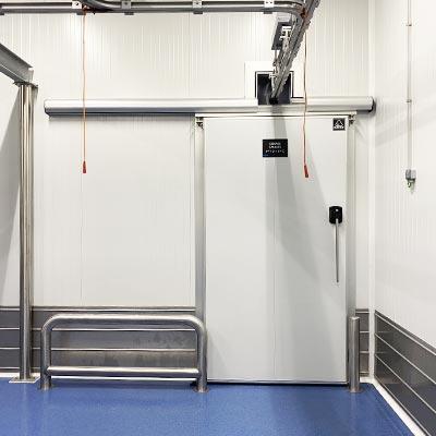 instalación puertas en cámaras de frío