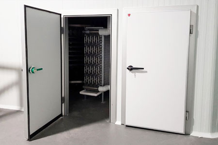 puerta pivotante frigorífica