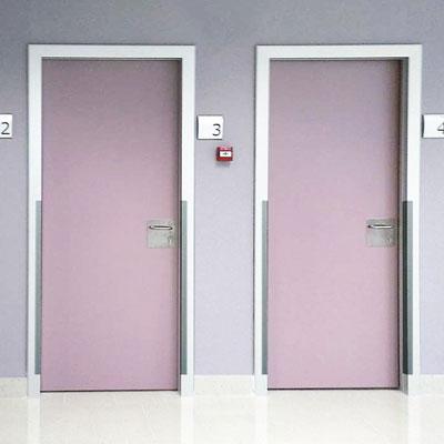 puertas para residencias clínicas y hospitales