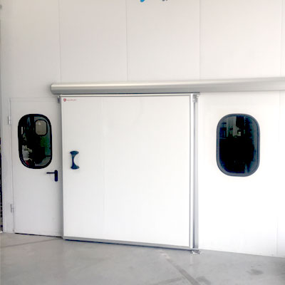 instalación puerta corredera de servicio