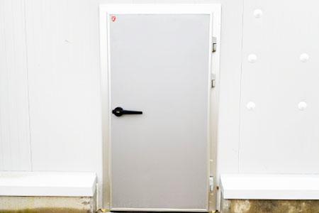 puertas de interior: pivotante de servicio