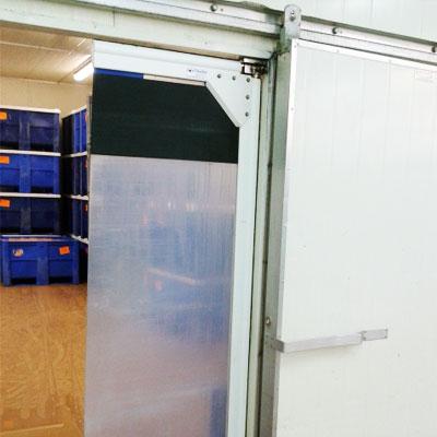 puerta vaivén de pvc