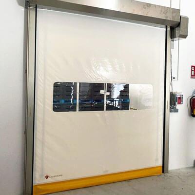 puerta enrollable para sala blanca