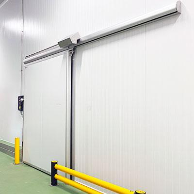 instalación puerta corredera para cámara frigorífica